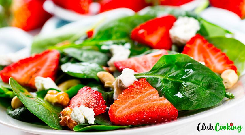 Strawberry Spinach Salad 🥘