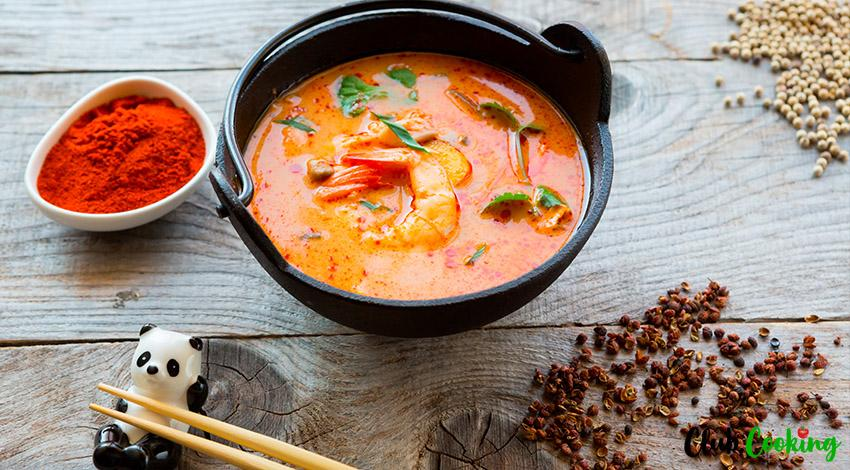 The Best Tom Yum 🥘 Soup For The Whole Family