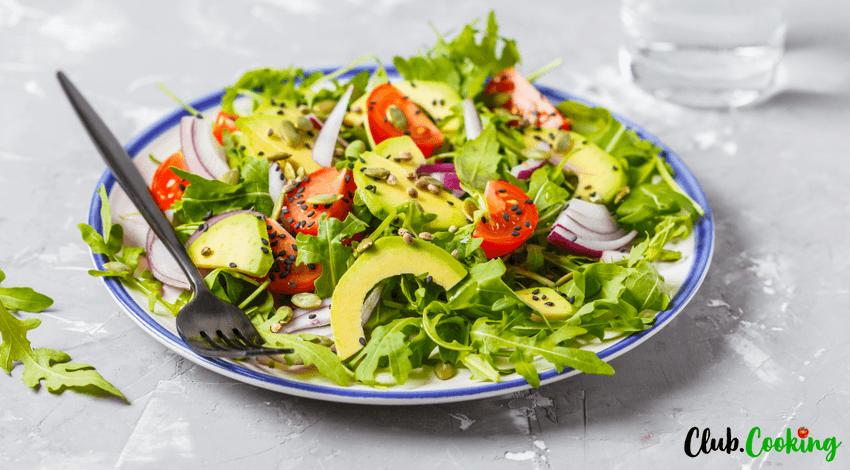 Avocado Salat mit Rucola, Tomaten und Kürbiskernen 🥘