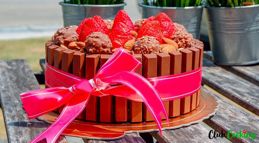 Kit Kat Cake 🥘