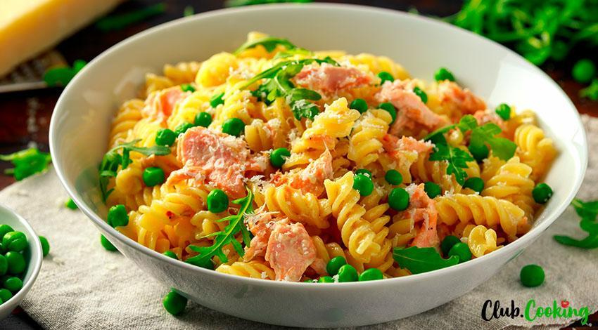 Easy Salmon Pasta 🥘