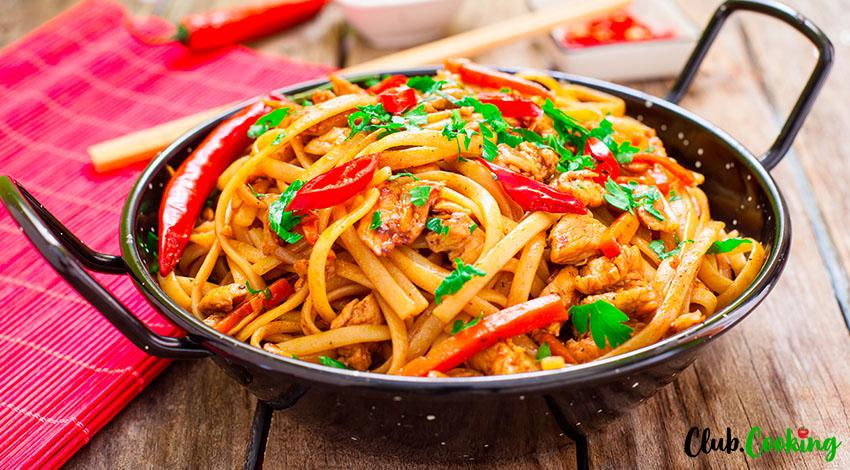 Chicken Chow Fun 🥘